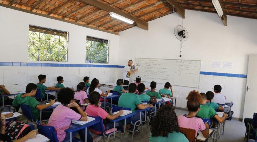 Escolas da rede municipal de Lauro de Freitas abrem matrículas para 2020 - PNotícias