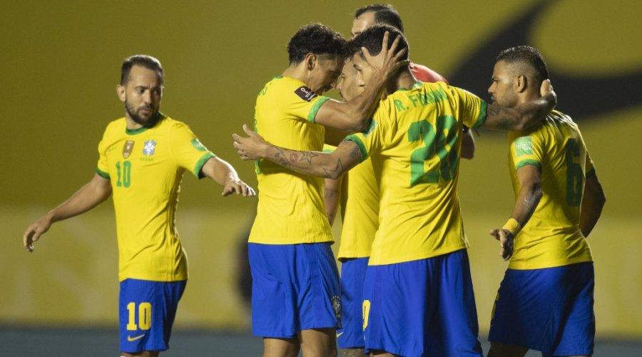 [Brasil não empolga, mas vence a Venezuela e segue invicto nas Eliminatórias]
